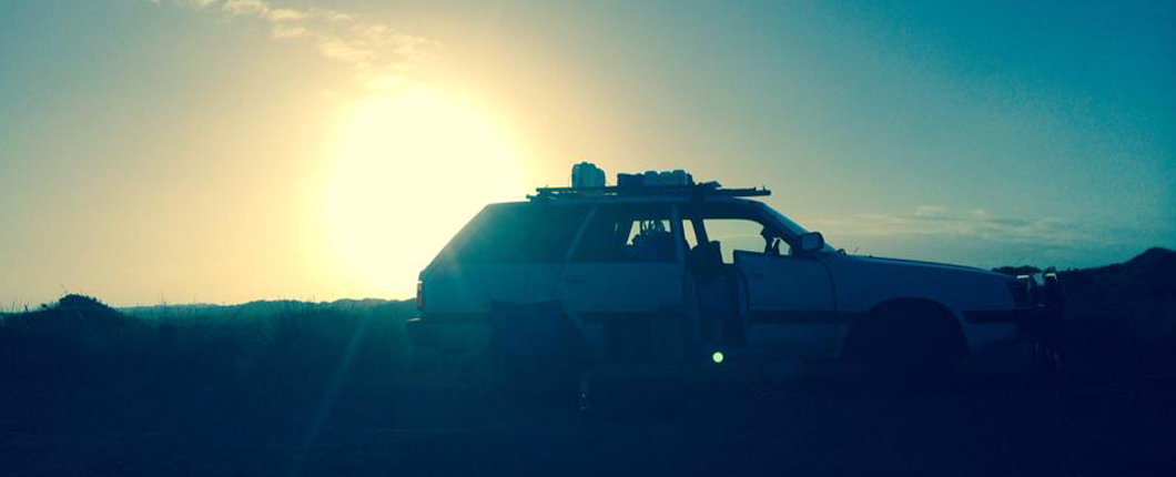 Subaru Kombi im Sonnenuntergang