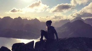 YogaGypsy Roadtrip Lofoten Årsteinen Gipfel