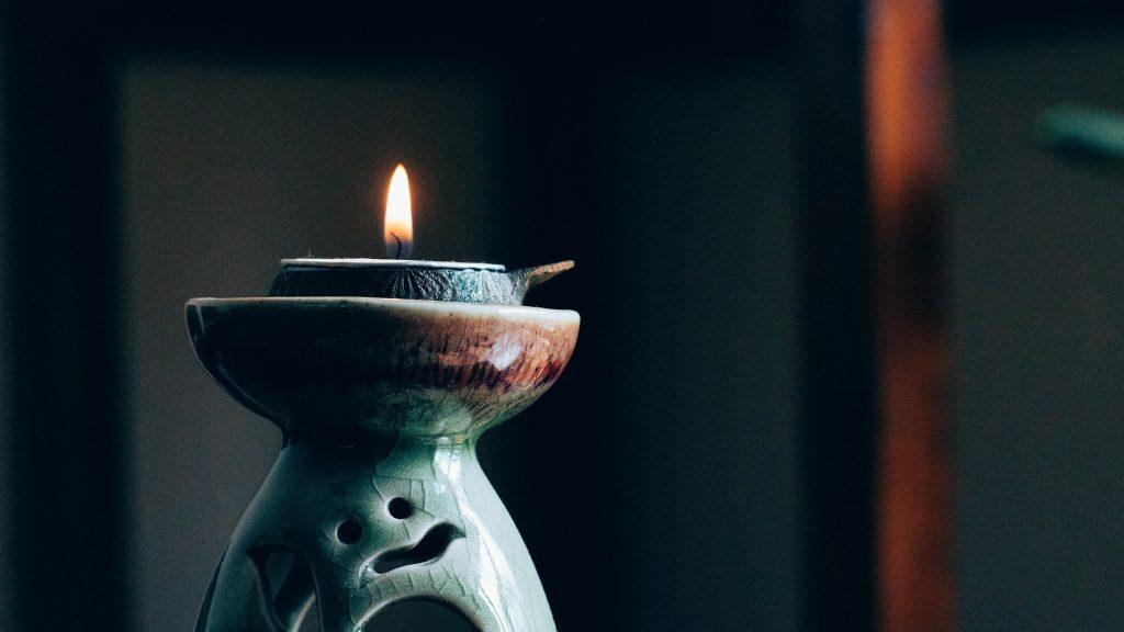 Kerzen anzünden meditieren anfangen